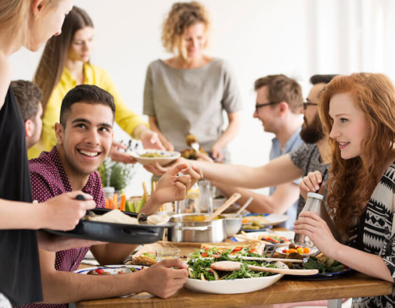 friends-eating-healthy-dinner-small